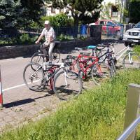 Diese nicht überdachten Fahrradständer sind einfach nicht ausreichend!